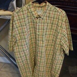 Button down Eddie Bauer short sleeve shirt